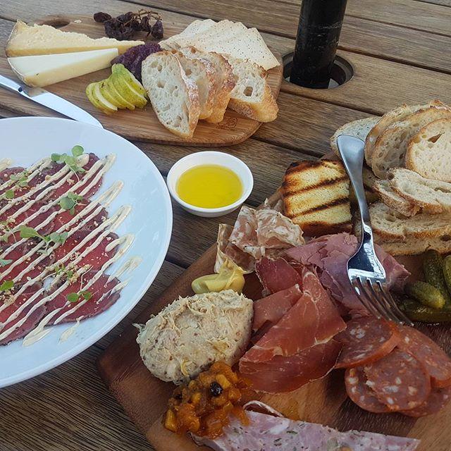 Weekend adventures. ❤ #melbournefood #melbournefoodie #balgownie #balgowniewinery #ballarat #ballaratlife #grazingplatter