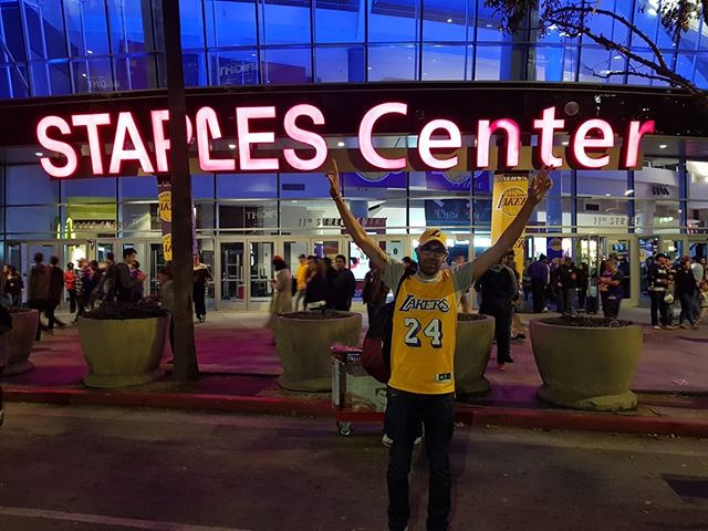 Today my amazing boyfriend got to tick something off his bucket list - seeing the #LALakers play at the #StaplesCenter. So happy for him. ❤ #lakers #nba #basketball