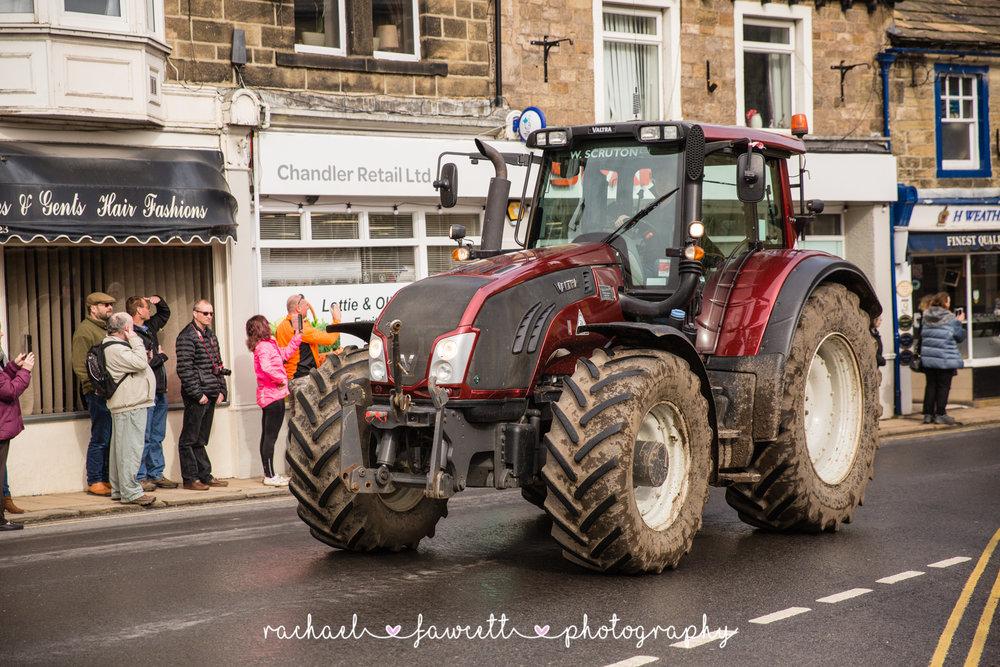Tractor Run 375