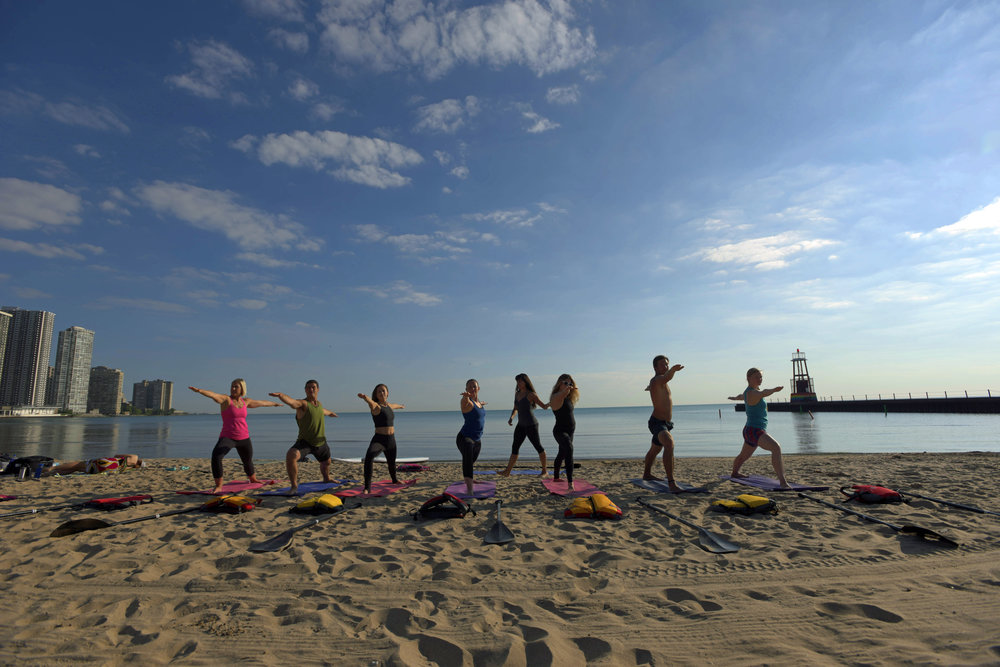 SUP GROUP BEACH YOGA