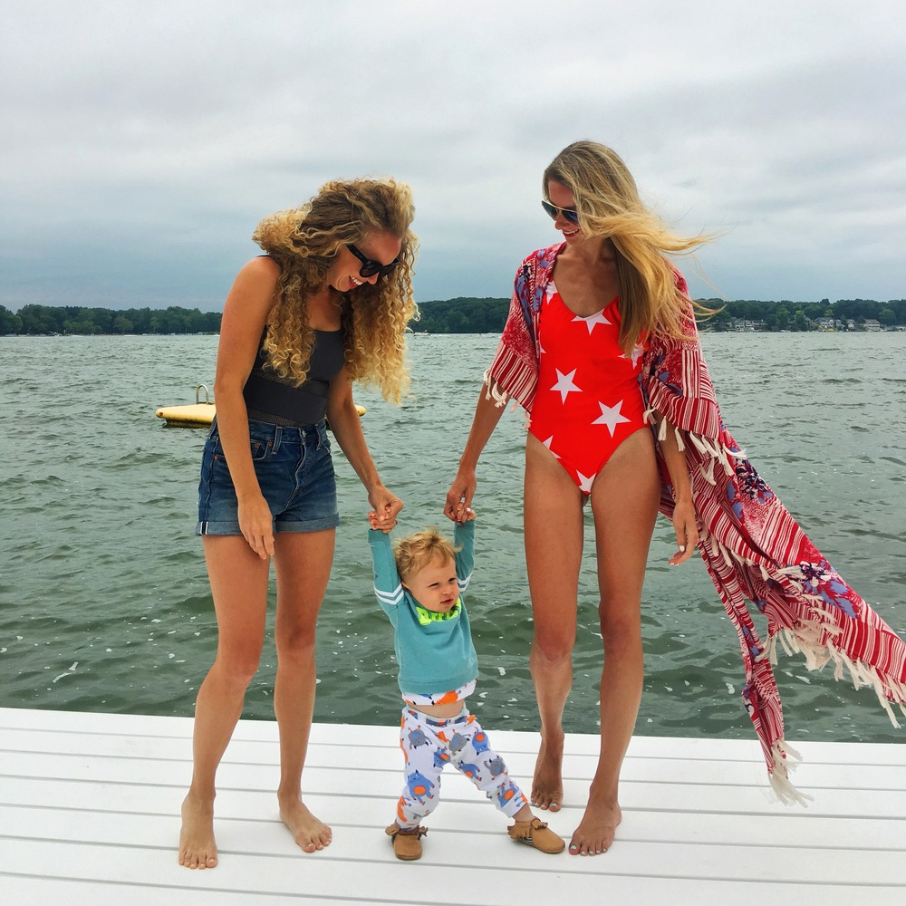 This babe was knee high by the 4th of July! 🇺🇸 // Outfit here