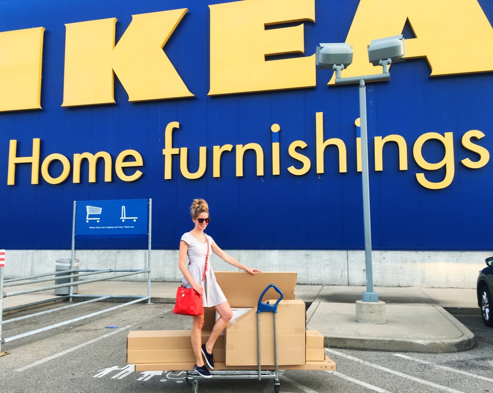Mid-week Ikea run for bookcases and a table 😎 // Dress here, here