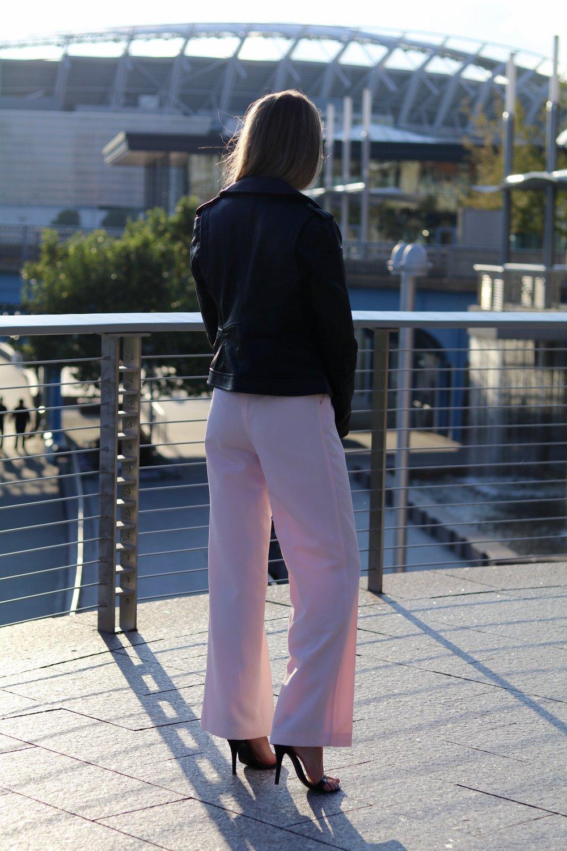 gilt edge | jump around