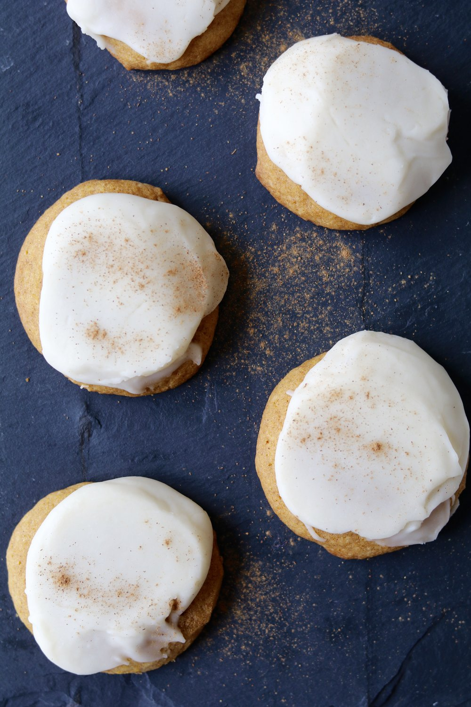 gilt edge | happy thanksgiving // pumpkin cookies
