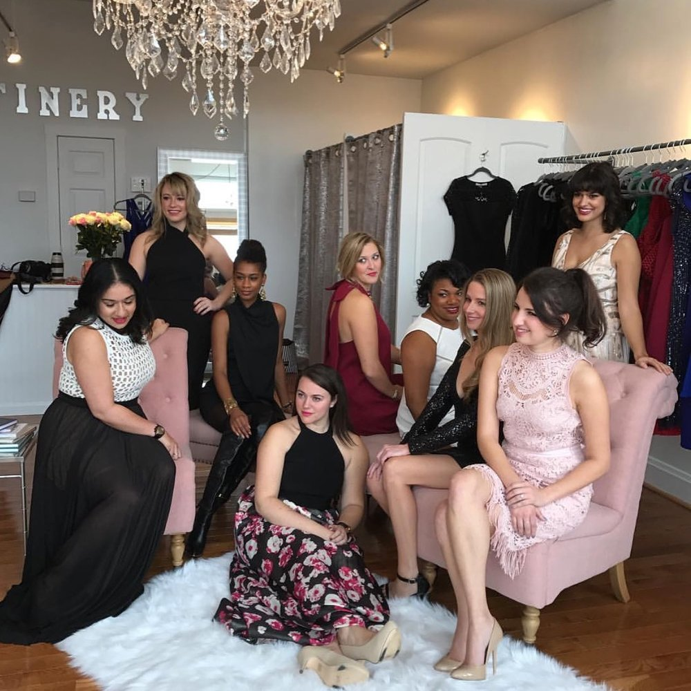 A holiday photo shoot at Finery with the ladies of Thread // Details here