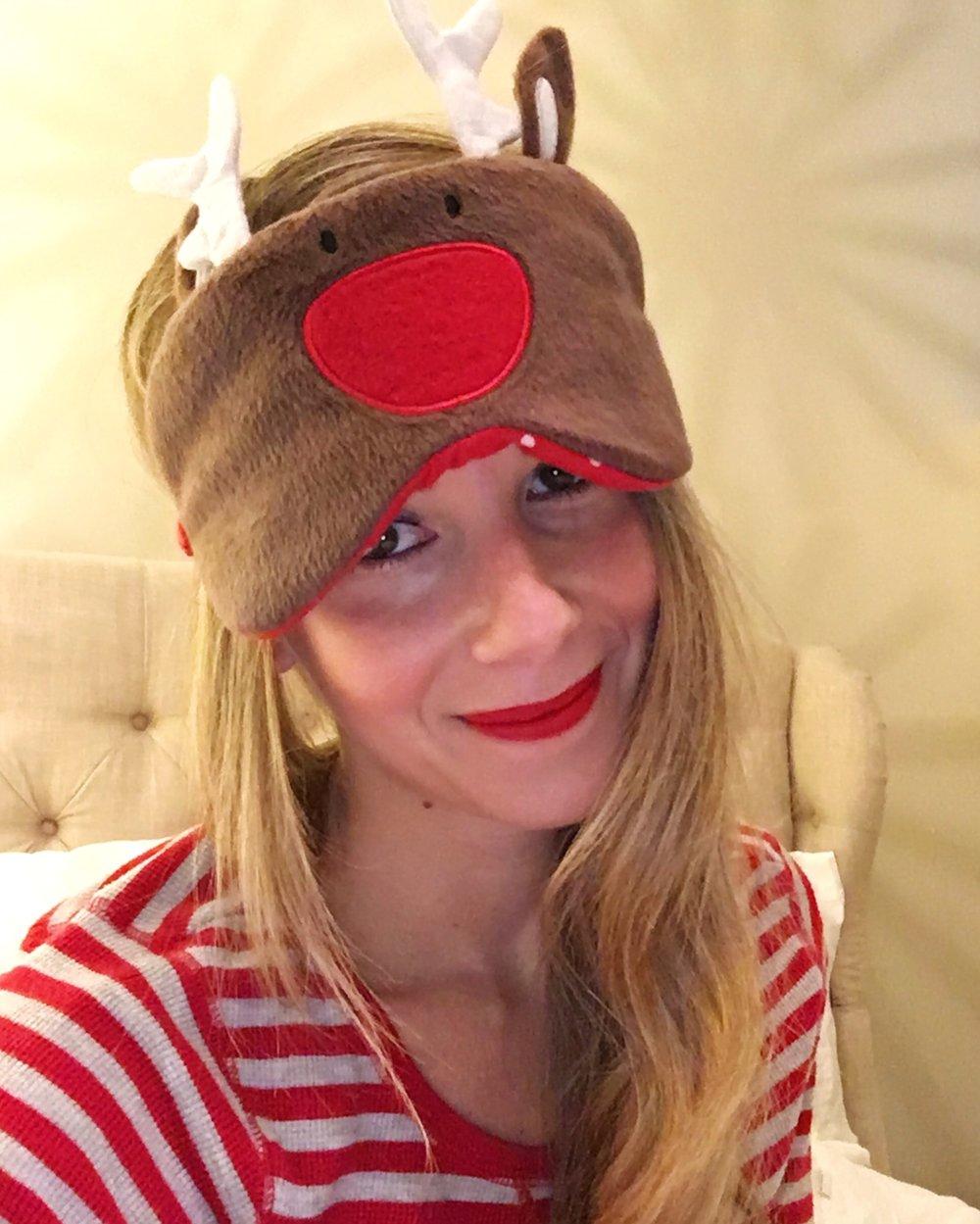 Reindeer Games ❤️ // Sleep Mask, PJs, Lip Color - Stila Beso