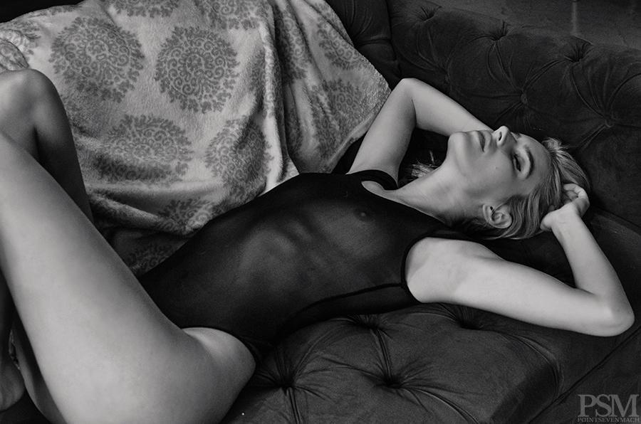 Chloe Holmes by Vicente Tabora for pointsevenmach 10.jpg