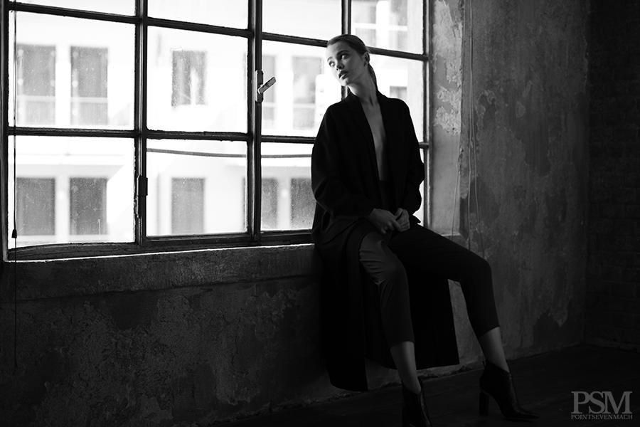 Liza Ganenko by Davide De Dea for pointsevenmach 10.jpg