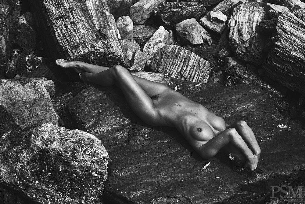Marisa Papen by Stefan Rappo for pointsevenmach 13.jpg