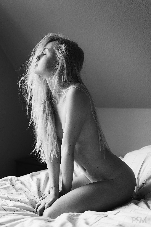 Isabella Johansen by FRAN DOMINGUEZ for PSM Magazine 06711x.jpg