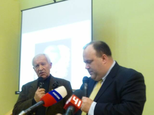 Col. Alexis Zakharin (Left) translating for Dr. Michael Coble (on right)