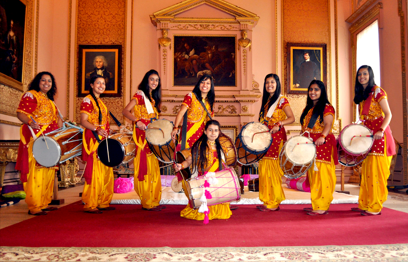 Female-Dhol-Players-thumb.png