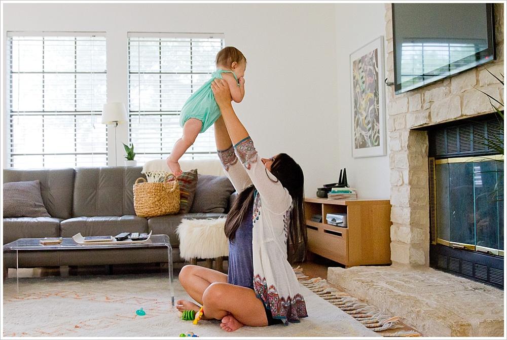 mom and baby playing on floor | lifestyle family photography in Cedar Park, Texas | Jason & Melaina Photography