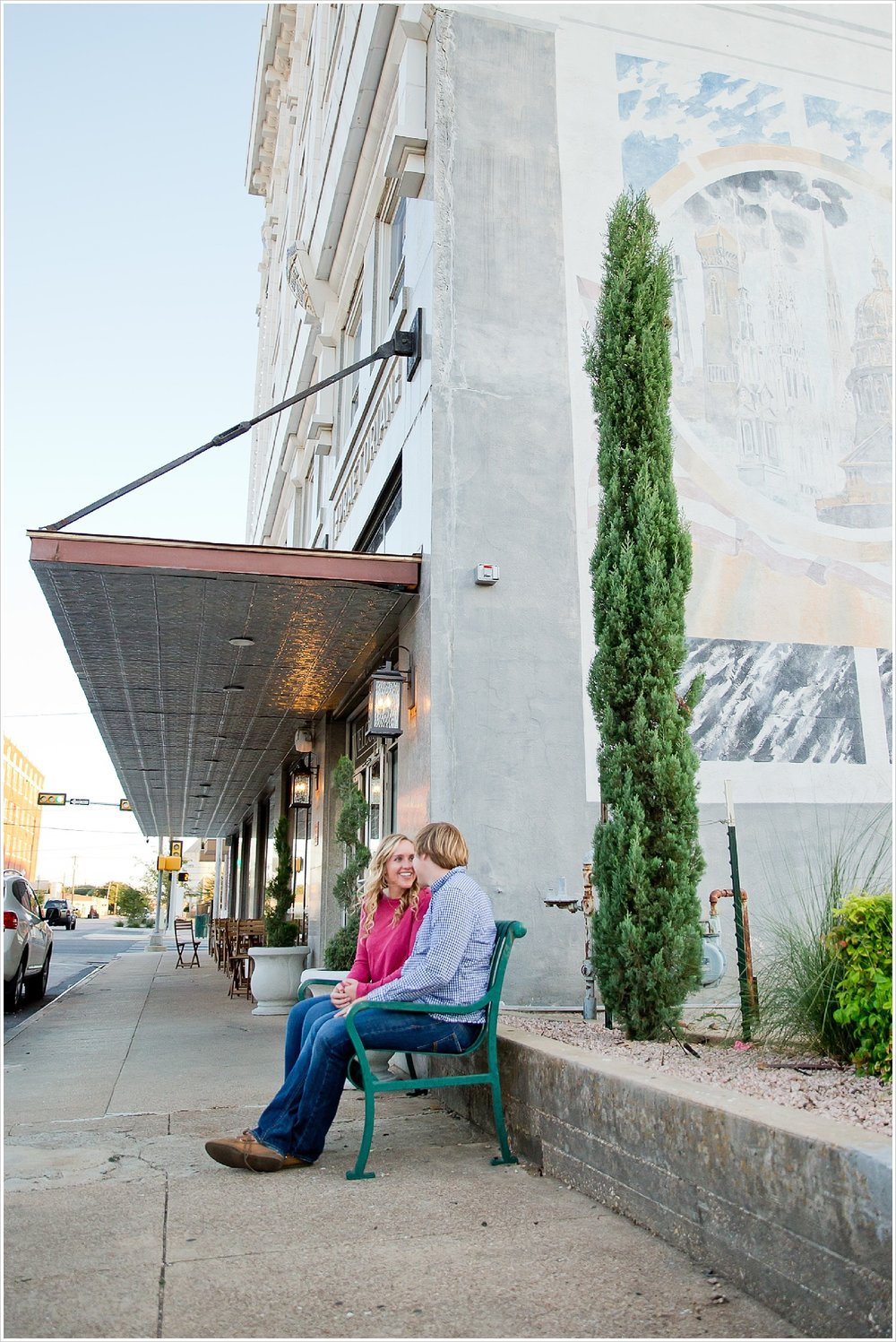Couple portraits in downtown | Love Photography in Waco, Texas | Jason & Melaina Photography