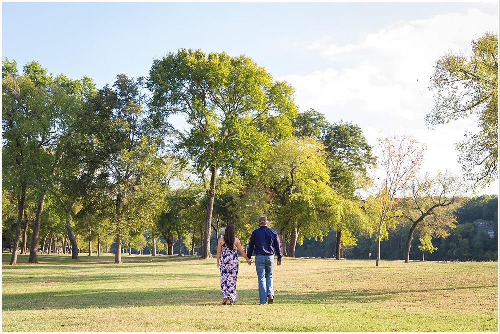 Cameron-Park-Waco-Engagement-Portraits_0003.jpg