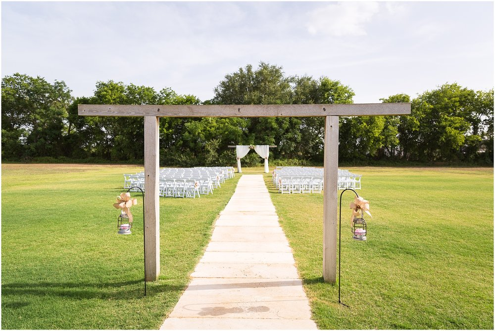 Rustic outdoor summer wedding at Rustic Acres in Belton, Texas - Jason & Melaina Photography - www.jasonandmelaina.com