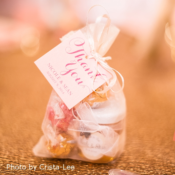 Pink Umbrella Designs - Elegant Pink Wedding Favour Tag. Photo by Crista-Lee Photgraphy