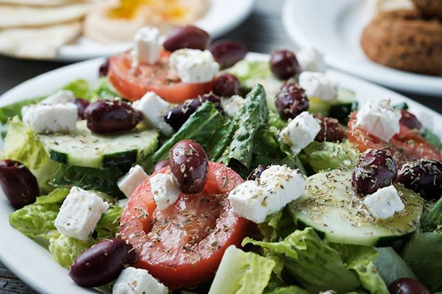 Please accept my deepest Apollo-gies for this awful Greek pun. I just thought you Odyssey this amazing salad.  #dadjokes #DadJokeUniversity
