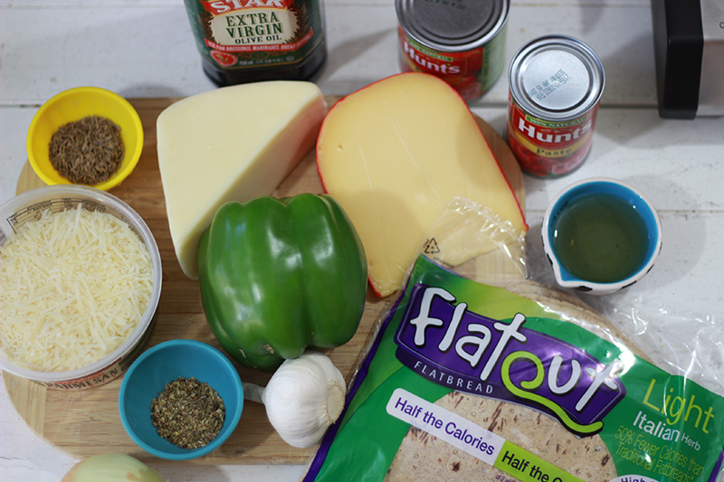 My Big Fat Cuban Family - Cuban Sofrito Pizza - #FlatoutLove #SoCu #ad