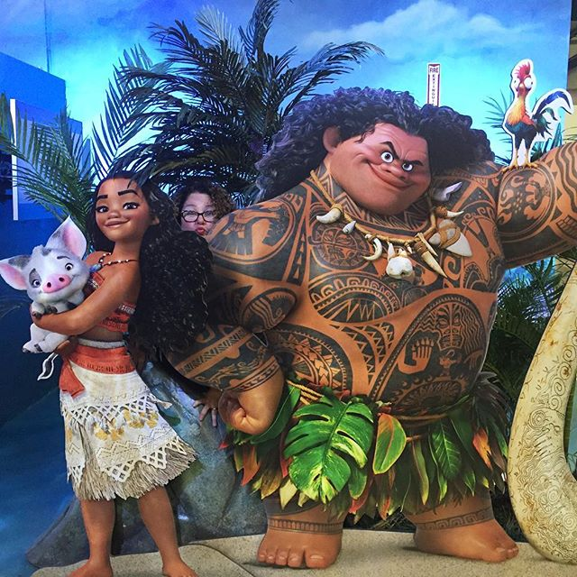 Made some new friends today. #Moana 🌀🌴#disneyanimationstudios #disneyblogger