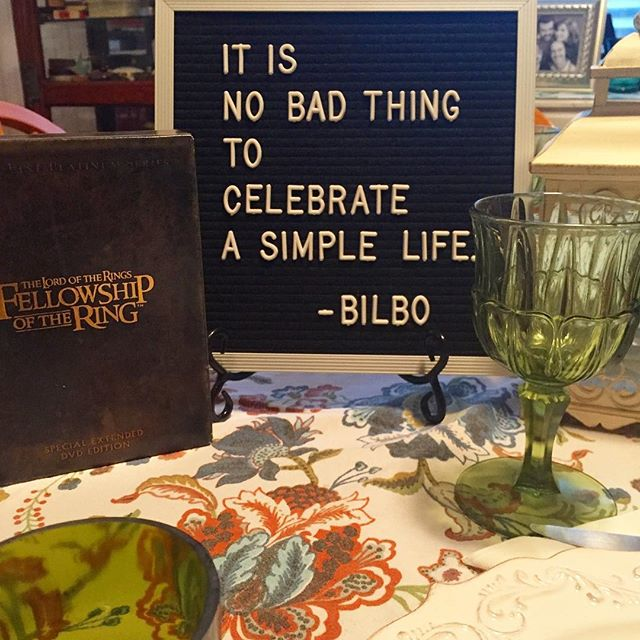 """It is no bad thing to celebrate a simple life."" #HappyBirthdayBilboAndFrodo #casadelanerdy #LOTR"