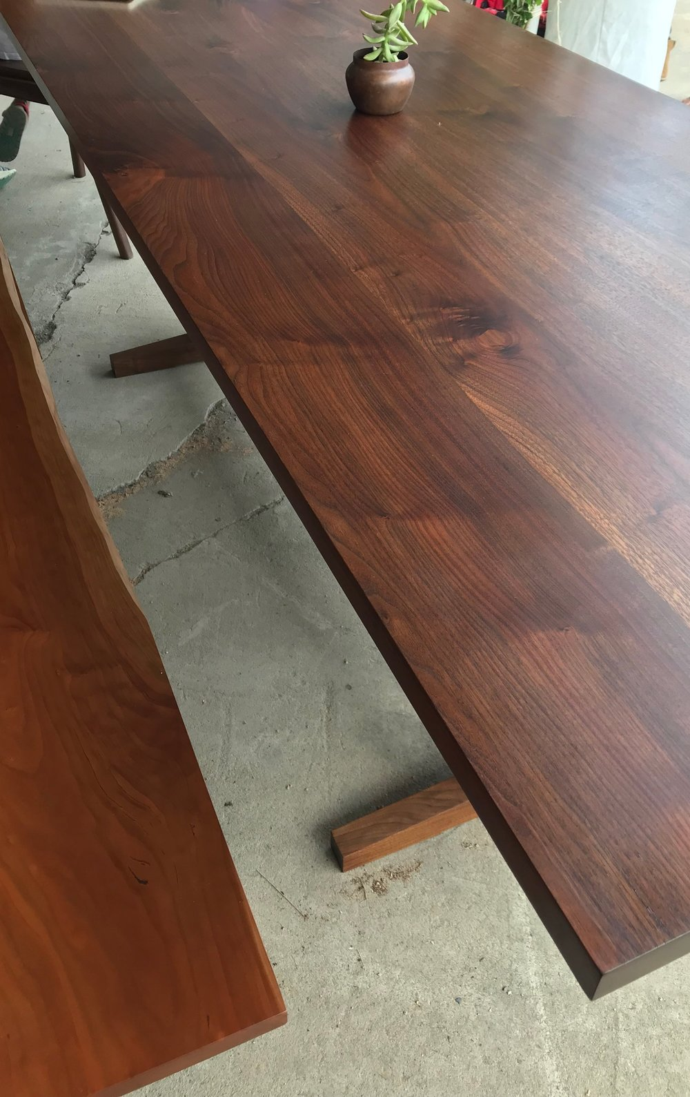 Fine Woodworking - A Fresh Take on the Trestle TableA live edge and nontraditional joinery revamp a traditional formIssue #262 July/August 2017