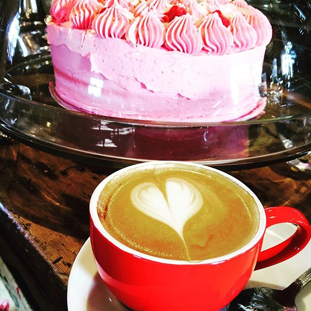 Good morning  #coffeetime #cake perfect way to start any #september #vintage #tearoom #chesterfield #debyshirelife #peakdistrict #love #raspberry