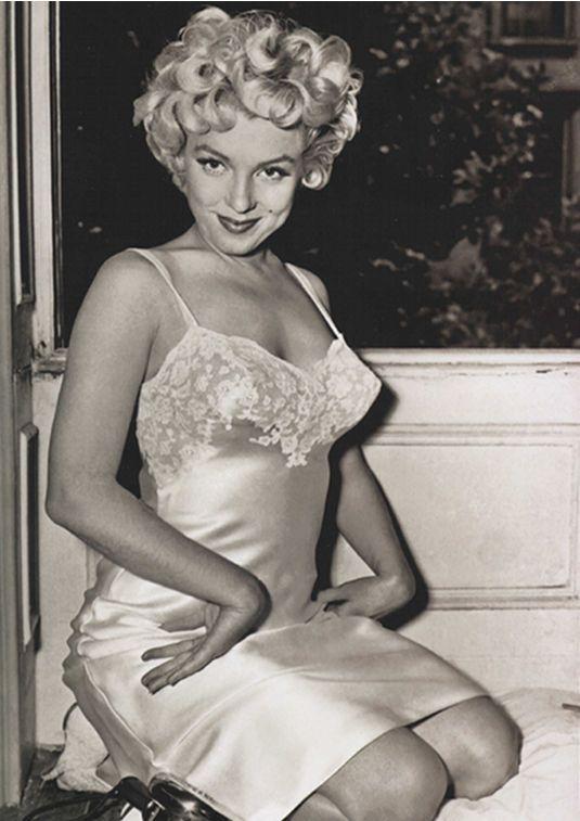 lingeriebydecade1950s10.jpg