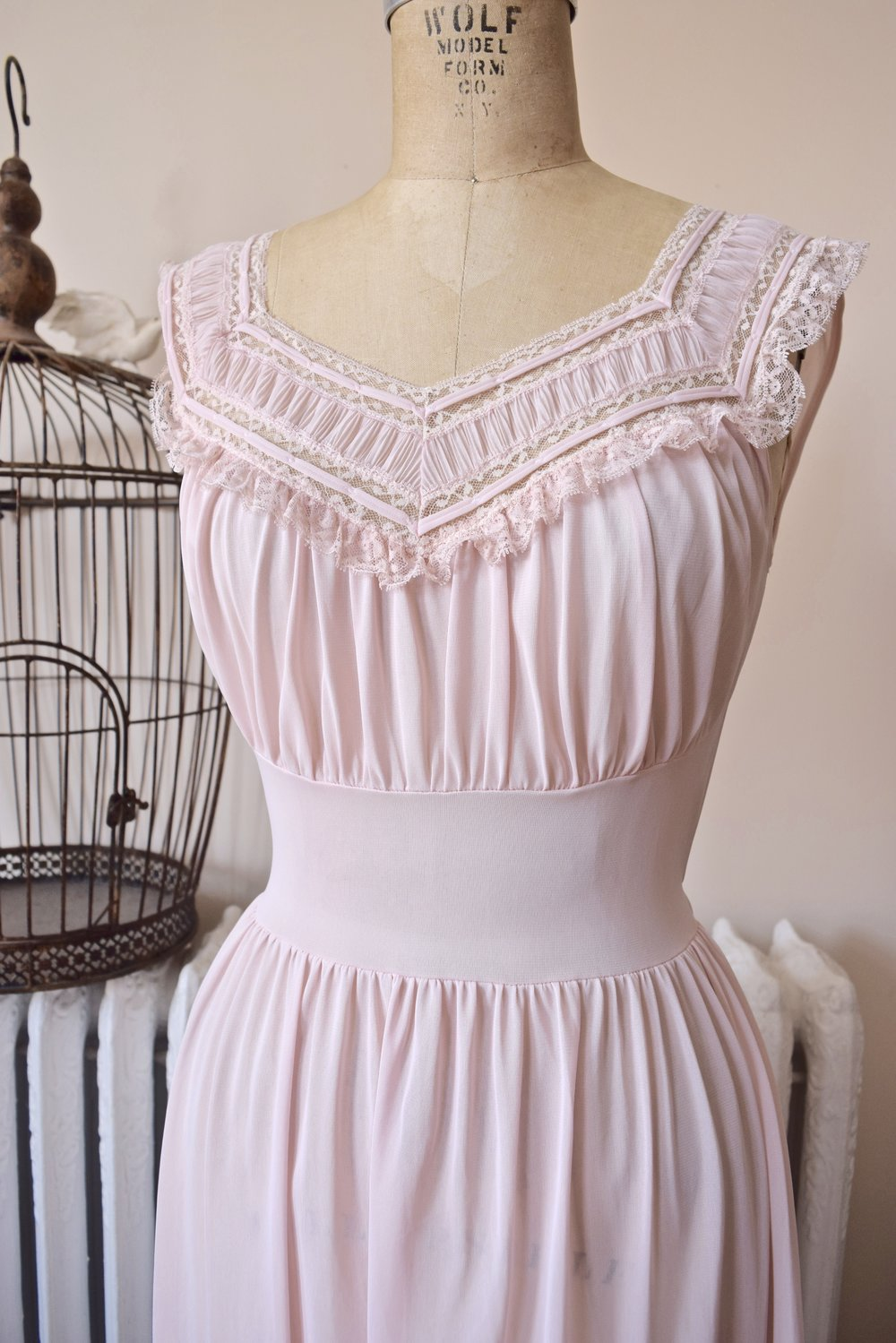 Pink Princess. 1950's long nightgown.