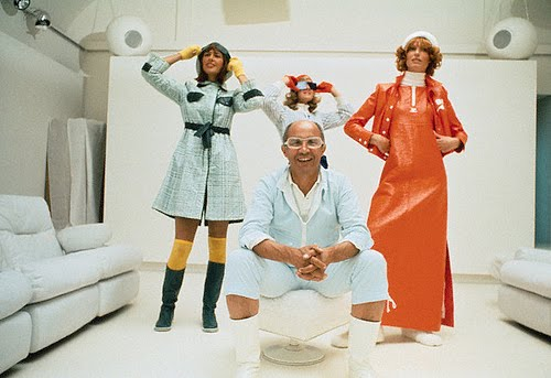 Courrèges with models in his designs