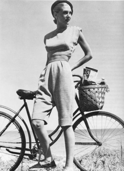 Mid-Week Inspiration Bike Rides and Picnics via Bobbins and Bombshells