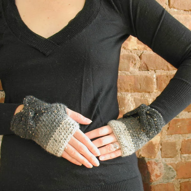 My Projects Ombre Fingerless Gloves Bobbins and Bombshells
