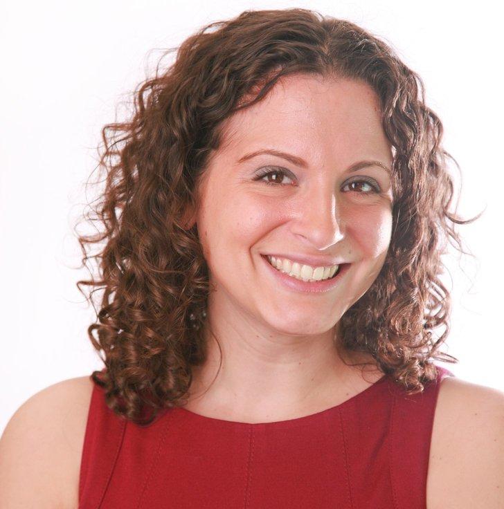 Julie Hochheiser Ilkovich Headshot.jpg
