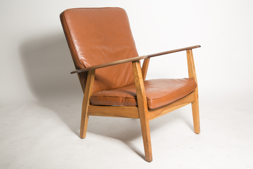 Wegner cigar chair 2 FRONT.jpg