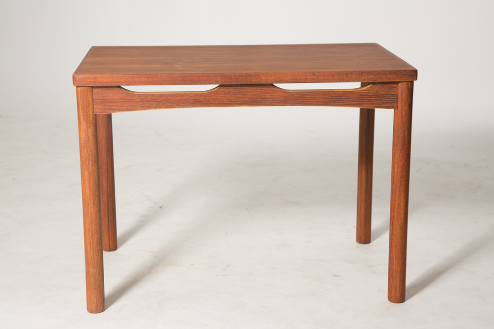 carve skirt end table 2.jpg