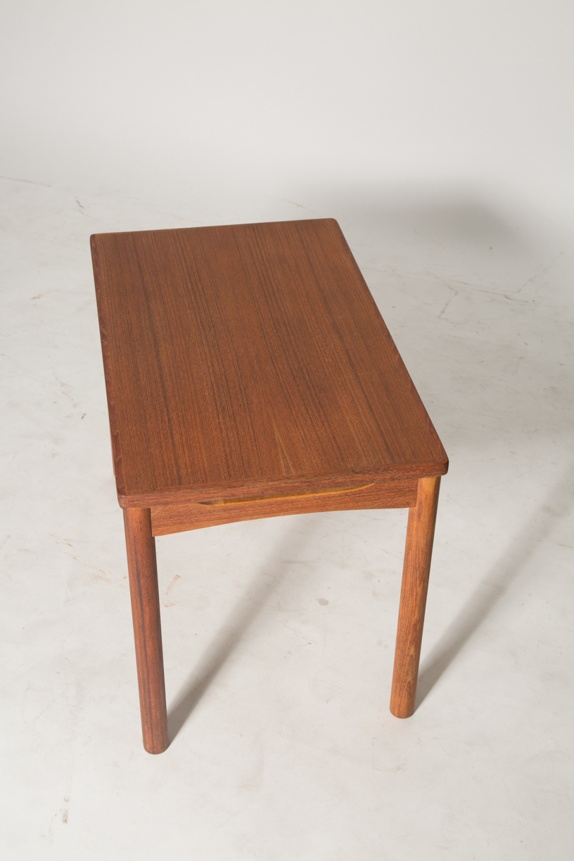 carve skirt end table 7.jpg