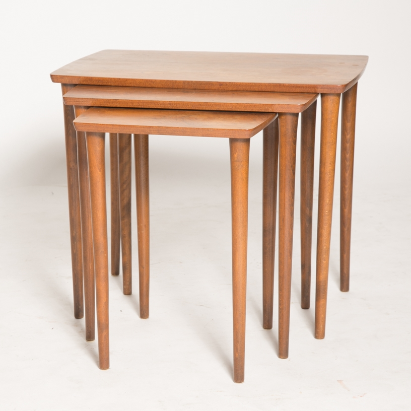 Pin legs nesting tables 2.jpg