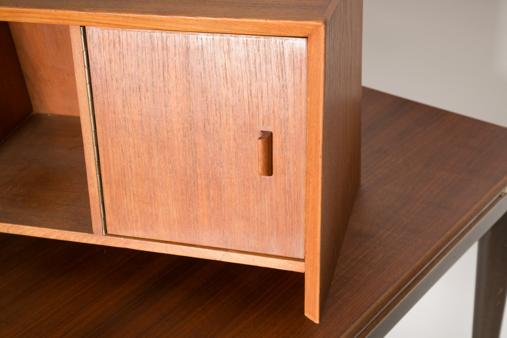 Danish desk hutch 4.jpg