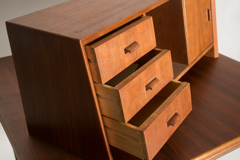 danish desk hutch 5.jpg