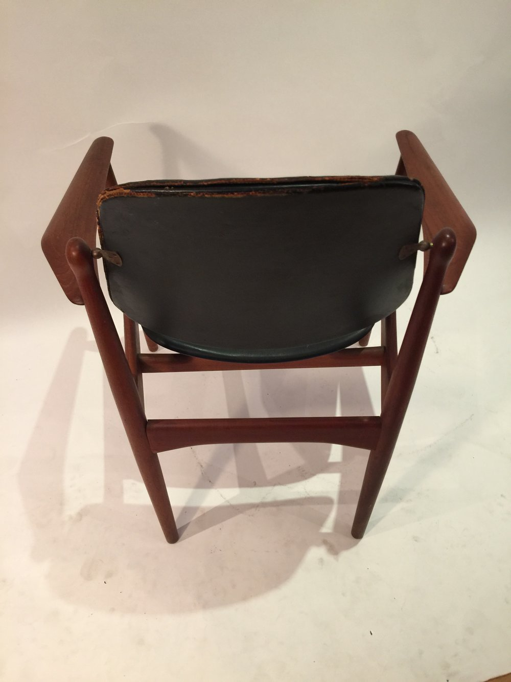 Arne Vodder FD-184 Amrchair in black leather 8.JPG
