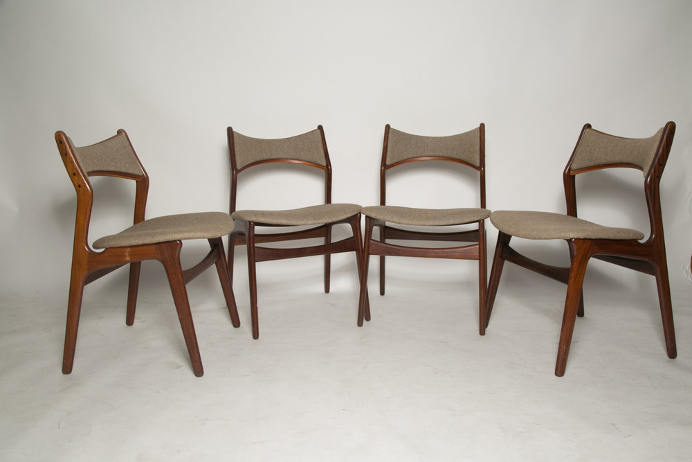 Erik Buck Model 310 dining chairs 1.jpg