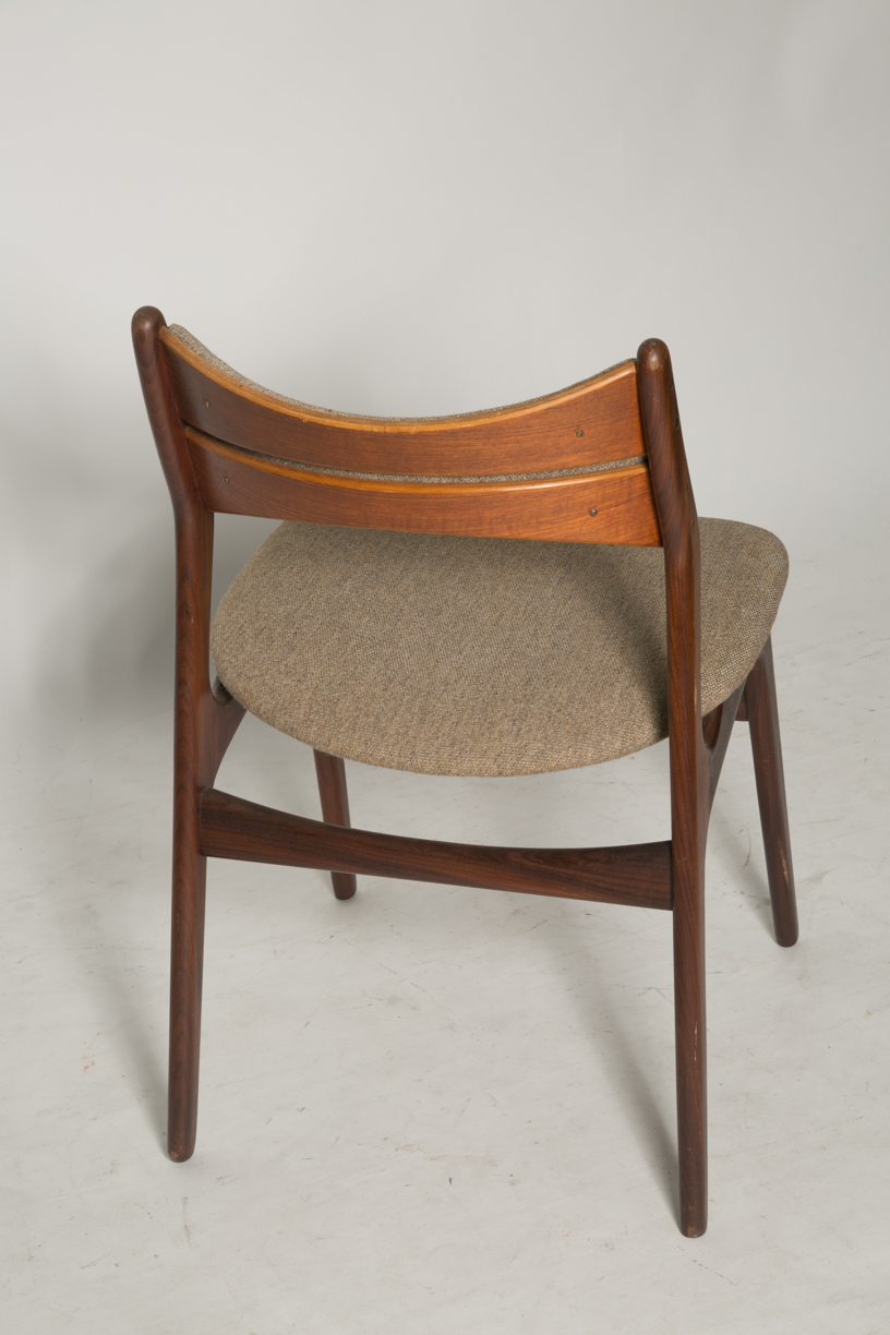 Erik Buck Model 310 dining chairs 5.jpg