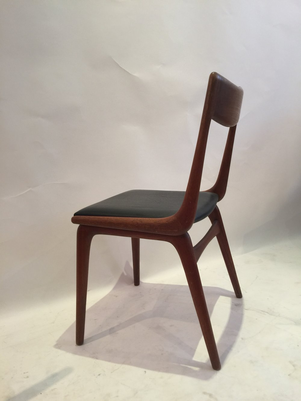 Erik Christensen Boomerang chair for Slagelse 12.JPG