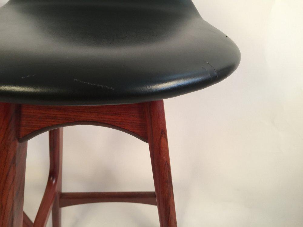Erik Buck pair of black leather and rosewood bar stools_model 0D61  7.JPG