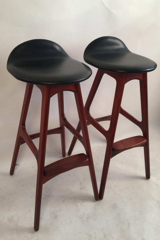 Erik Buck pair of black leather and rosewood bar stools_model 0D61  11.JPG
