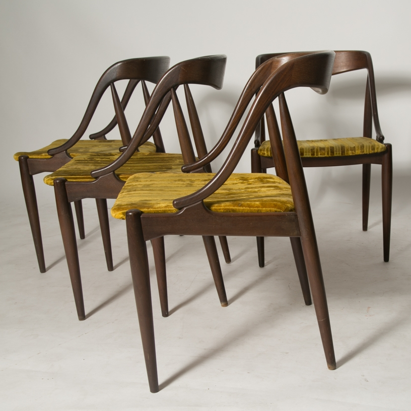 Johannes Andersen teak dining chairs for MM MORELDI