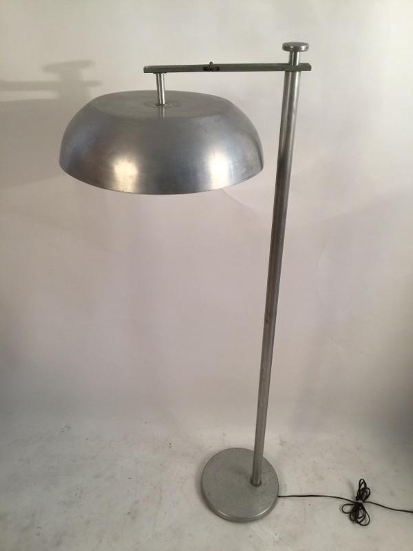 Kurt Versen 'Flip Flop' floor lamp brass and aluminum 4.jpg