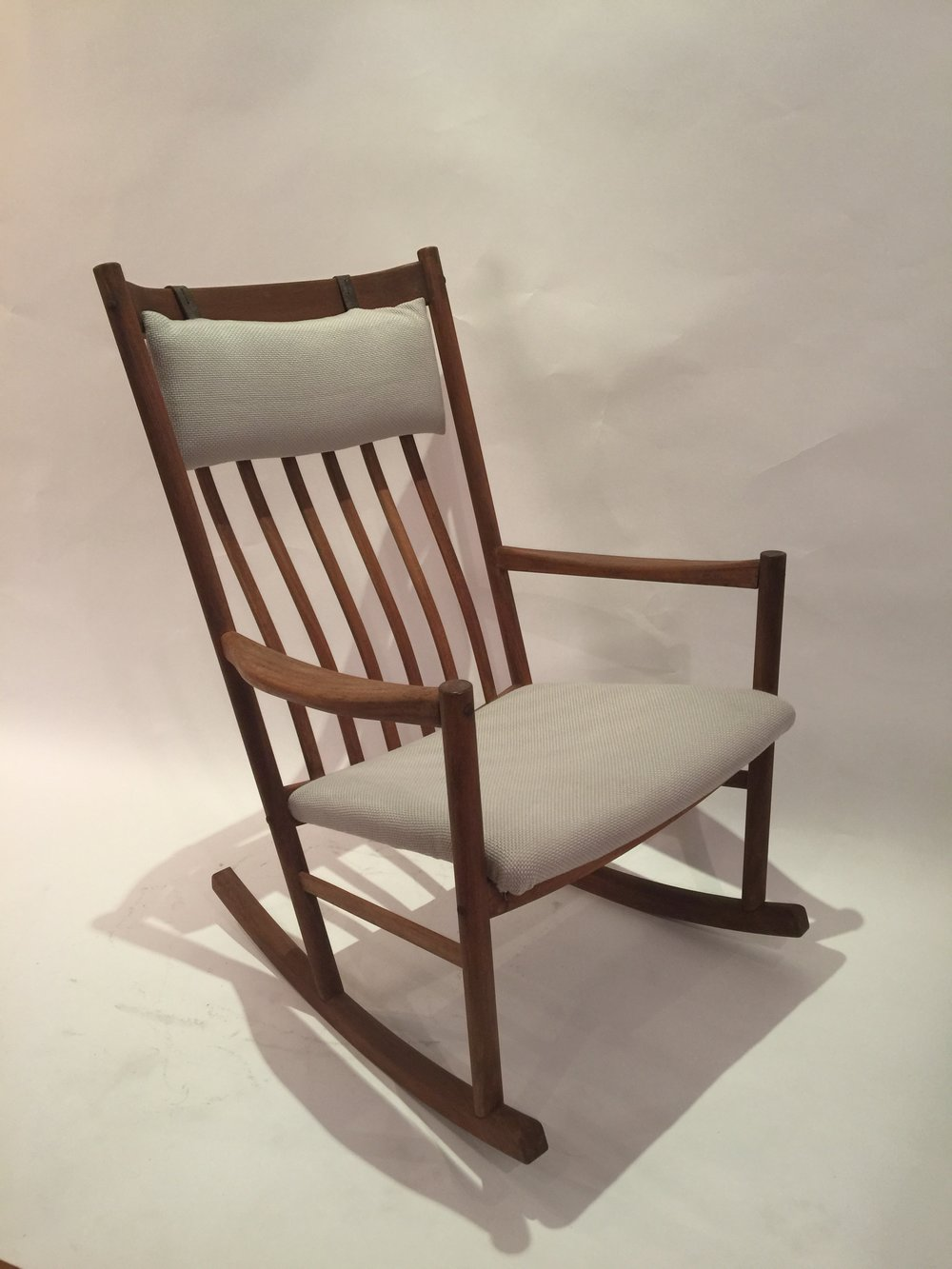 Wagner for Tram Stole - rocking chair 3.JPG