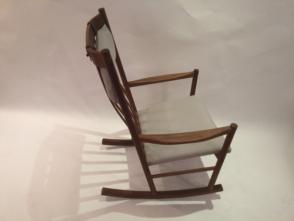 Wagner for Tram Stole - rocking chair 12.JPG