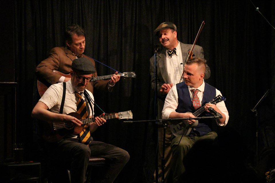 """Scratchy reminds the audience that """"It's Mating Time"""" at the Ukulele Cabaret, May 2015"""